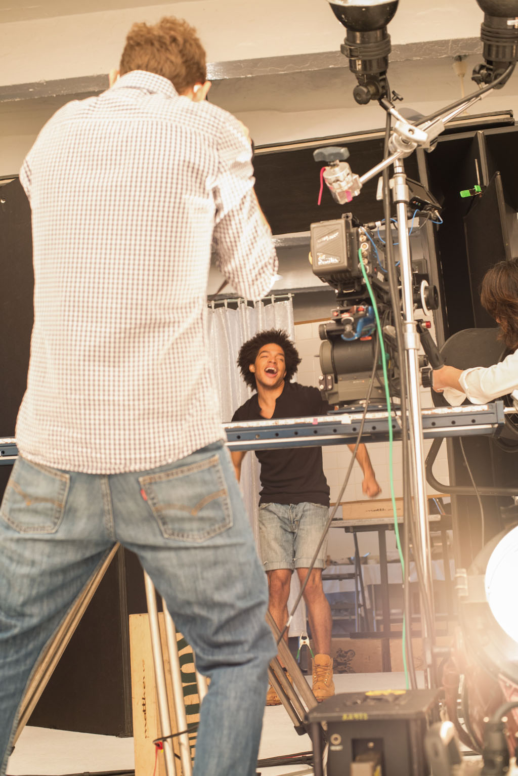 17-BTS_Lenovo_Behind-the-Scenes_09