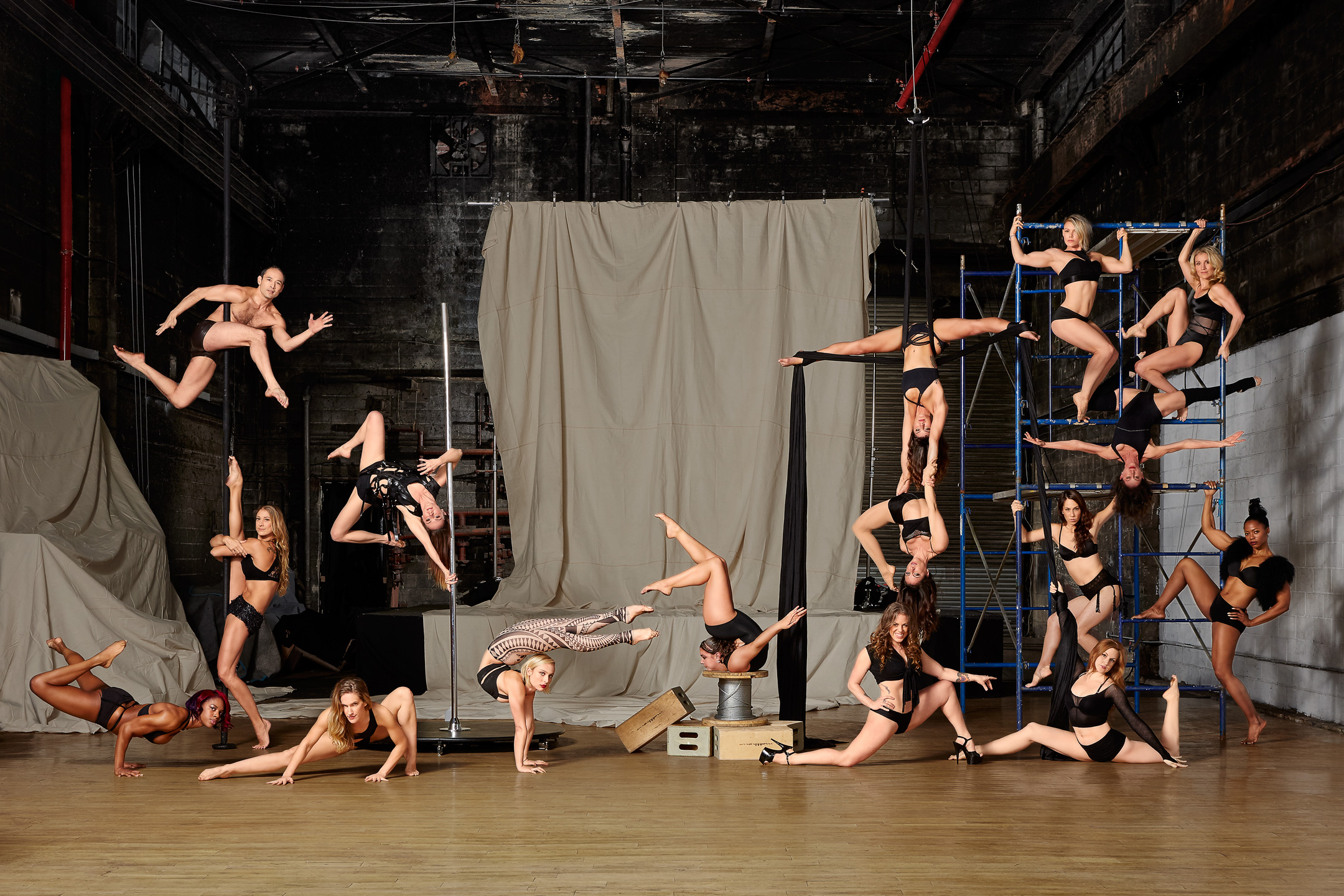 Michel Leroy Photographer behind the scenes with Body and Pole Athletes